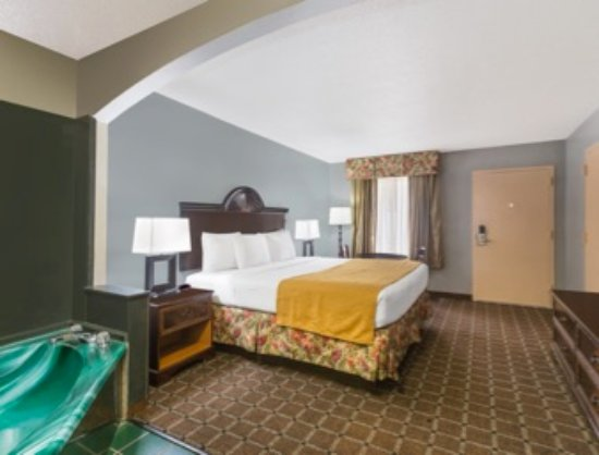 Hotel Suites With Jacuzzi In Room Mobile Al