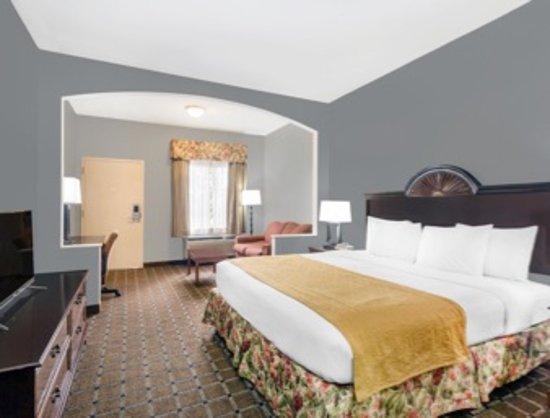 Hotels With  Room Suites Tillmans Corner Alabama