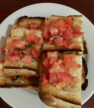 Натик, Массачусетс: Not a great pic, but the bruschetta was very tasty.
