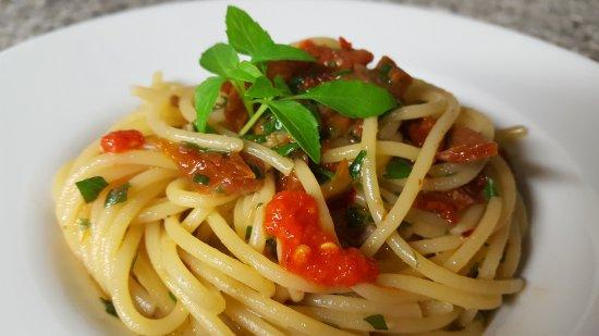 Cinigiano, إيطاليا: Ottimi piatti