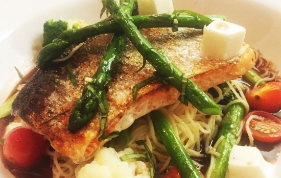 Kaiser Maximilian: Salmon with Angel Hair Pasta & Red Wine Sauce