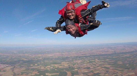 Skydive Leon