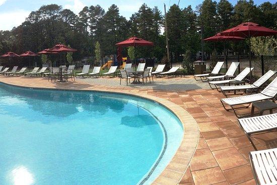 Ocean View, NJ: Relaxing Pool Area