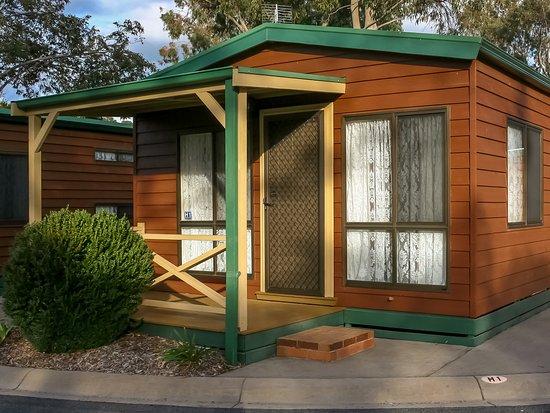 Pomonal, Australia: One Bedroom Village Cabin