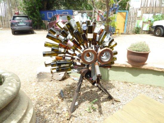 Bernalillo, Nuevo Mexico: Wine Bottle Hedgehog