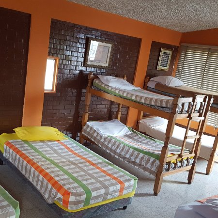 Hostal Los Volcanes: Dormitory with shared bathroom