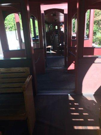 Hill City, Южная Дакота: Walking through the train cars