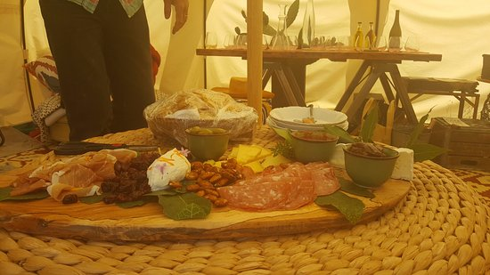 Howling Wine Tours: Wine Tasting Charcuterie Board (um, yum!)