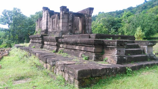 Champasak Town, Laos: Etable de Nadin,
