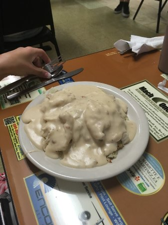 Chino, CA: Biscuit and gravy half order