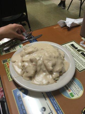 Chino, كاليفورنيا: Biscuit and gravy half order