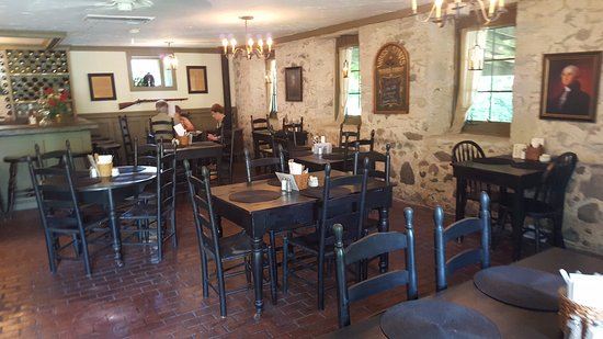 Jack's Pantry & Cafe: A colonial feel to the place