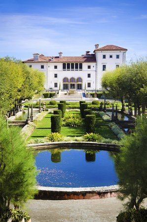 Hotel Colonnade Coral Gables, a Tribute Portfolio Hotel: Vizcaya Museum and Gardens