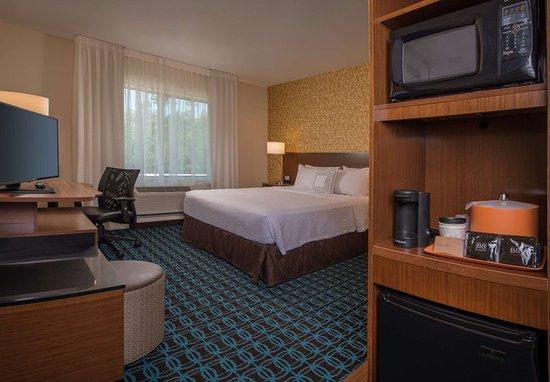 Ashland, VA: King Guest Room