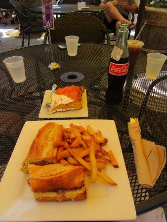 La Tartine: Prosciutto and cheese sandwich
