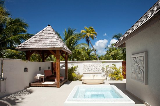 The St. Regis Bora Bora Resort: Miri Miri Spa by Clarins