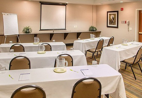 Fairfield Inn & Suites Tucson North/Oro Valley: Meeting Room – Classroom Setup