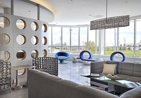 Nisku, Canada: Lobby - Sitting Area