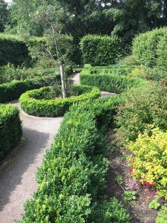 Walkden Gardens : photo5.jpg
