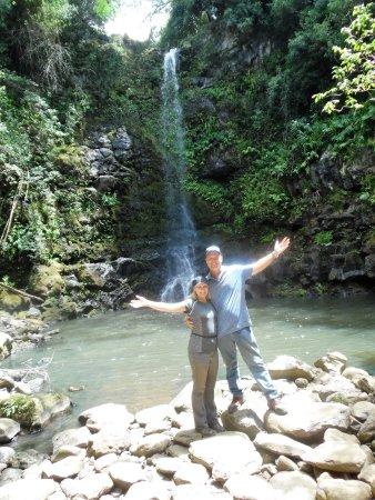 Kapaau, HI: waterfall