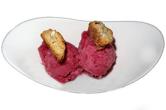 Conshohocken, بنسيلفانيا: pomegranate sorbet