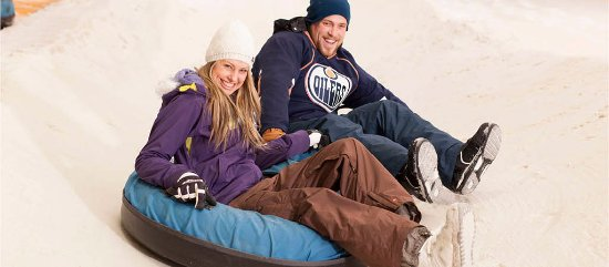 Silverdale, Nuova Zelanda: Snow Tubing is great for all ages