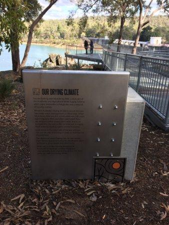 Mundaring, Australia: Viewing platform, information stand