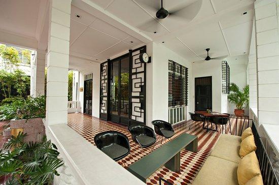 Entrance - Picture of The Henry Hotel Manila, Luzon - Tripadvisor