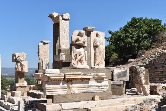 Memmius Monument - a memorial dedicated to Memmius ...