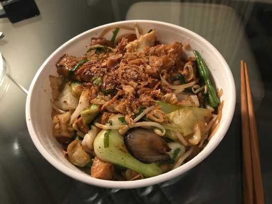 Noodle dish with (lots of) tofu