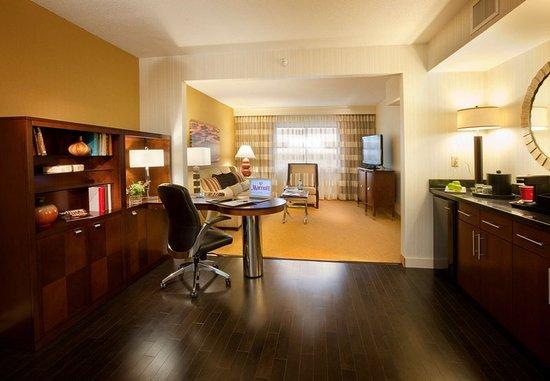 บรุกลีนพาร์ก, มินนิโซตา: Executive Suite