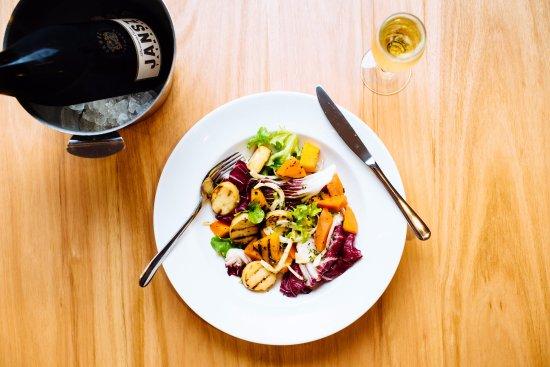 Marion, أستراليا: Grilled Vegetable Salad - Lounge Bar