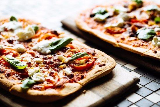 Marion, Australia: Delicious Pizza's
