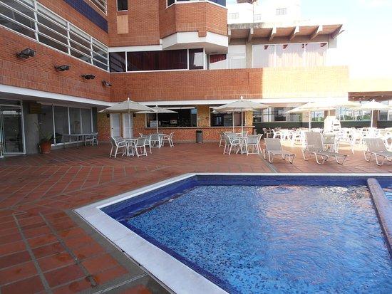 Ab beach hotel higuerote venezuela opiniones y for Piscinas para ninos pequenos