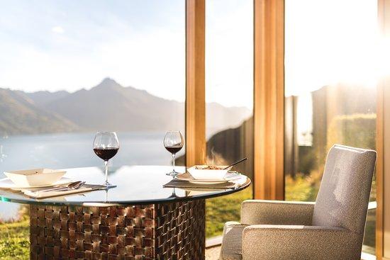 Azur: In Villa Dining