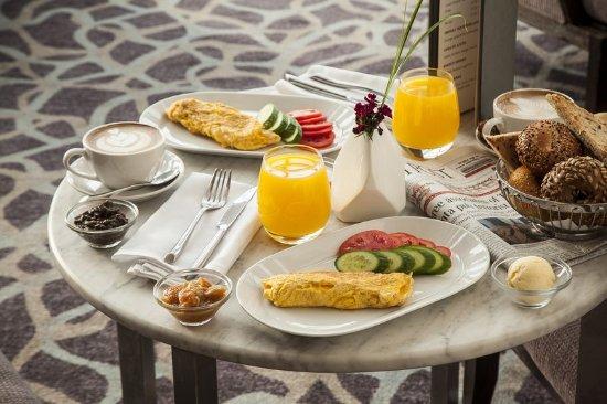InterContinental David Tel Aviv: A balanced breakfast for late-riser at the IC Tel Aviv Lobby