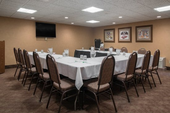 Saint Cloud, MN: We offer over 21,000 SQ feet of meeting space!