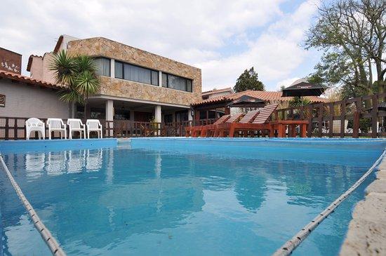 Madeo Hotel & Spa: Piscina y alrededores
