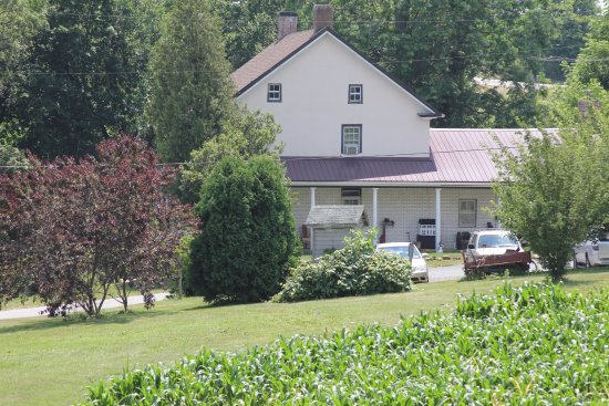 Stewartstown, PA: Free parking, plenty of room to take a walk or have a picnic, 138 acres of open space.