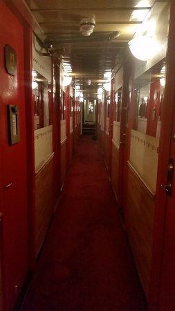 The Red Boat Hotel & Hostel: Il corridoio