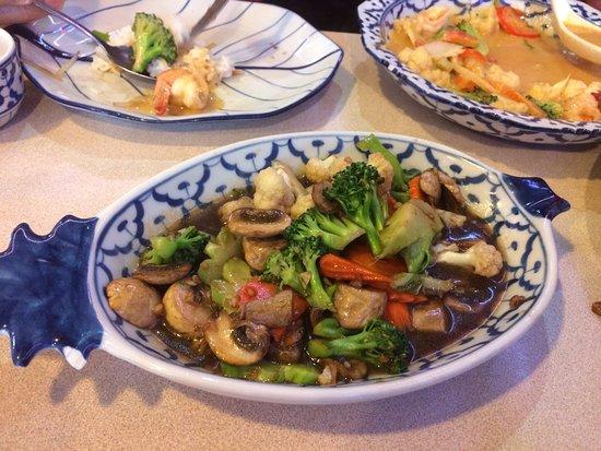 Keremeos, Kanada: Pad Pak Nam Mun Hoy (a vegetarian dish)
