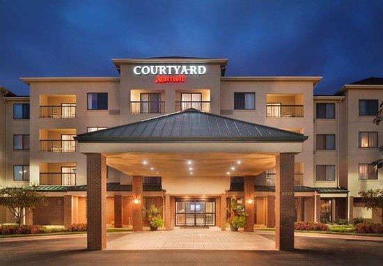 courtyard dayton beavercreek updated 2017 prices hotel. Black Bedroom Furniture Sets. Home Design Ideas