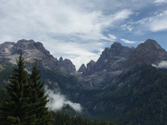Madonna di Campiglio, Italia: Questo è il Brenta il vidi è sul passo Grostè