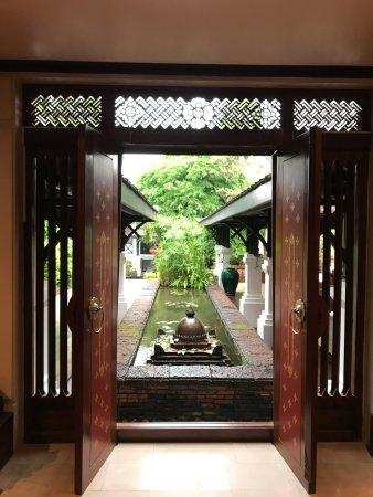 Belmond La Residence Phou Vao: Lobby area