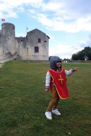 Château fort de Saint Jean d'Angle : photo0.jpg