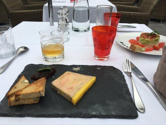 foie gras de canard et sur la droite tartare de saumon photo de l 39 epicurien le port marly. Black Bedroom Furniture Sets. Home Design Ideas