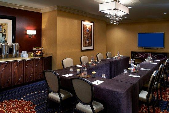 Kimpton Hotel Monaco Chicago: Tokyo Boardroom