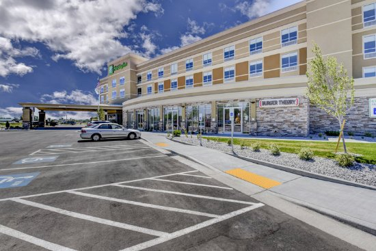Holiday Inn Nampa near Caldwell regional airport