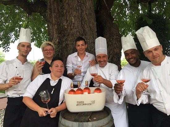 Puegnago sul Garda, Italy: LA Famiglia dell'Osteria