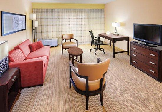 Richardson, TX: Suite Living Area